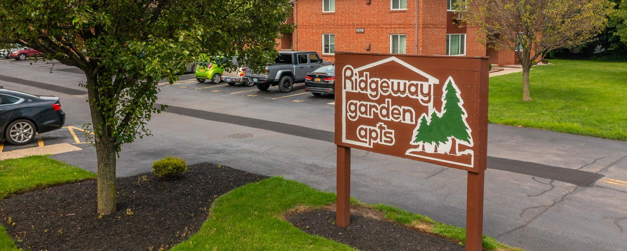Welcome to Ridgeway Garden Apartments