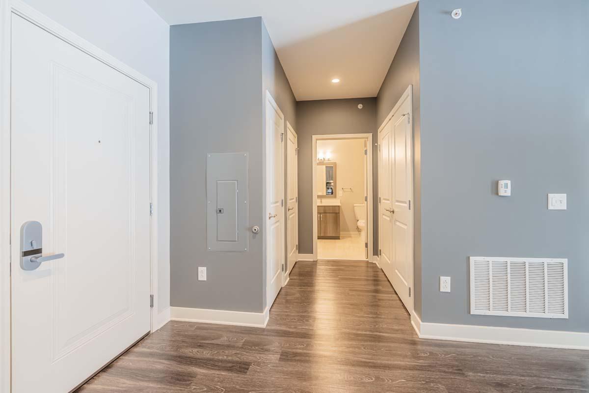 Ellison Heights - 1 Bedroom - Hallway